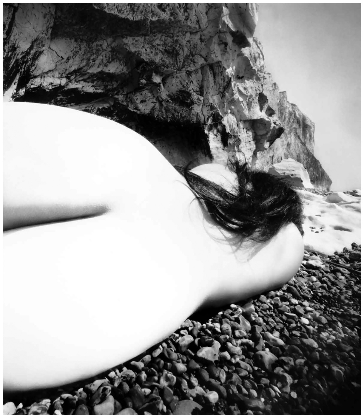 bill-brandt-nude-east-sussex-coast-1953