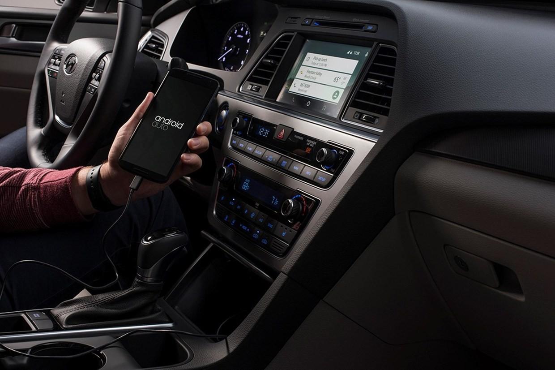 Android_Auto_in_the_2015_Hyundai_Sonata