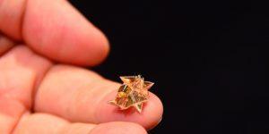 Миниатюрный оригами робот от MIT