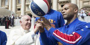 Папа Франциск, #90— в «Гарлем Глобтроттерс» новый игрок