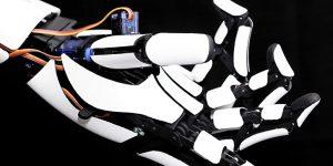 Роботизированная рука Handiii подключаемая к смартфону