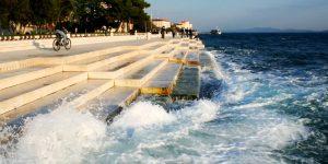 Море наигрывает мелодию на огромном органе