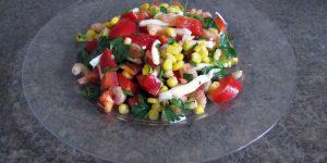 Просто и вкусно. Праздничный салат из морепродуктов и не только