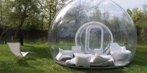 Надувная прозрачная палатка позволит вам спать под звездами