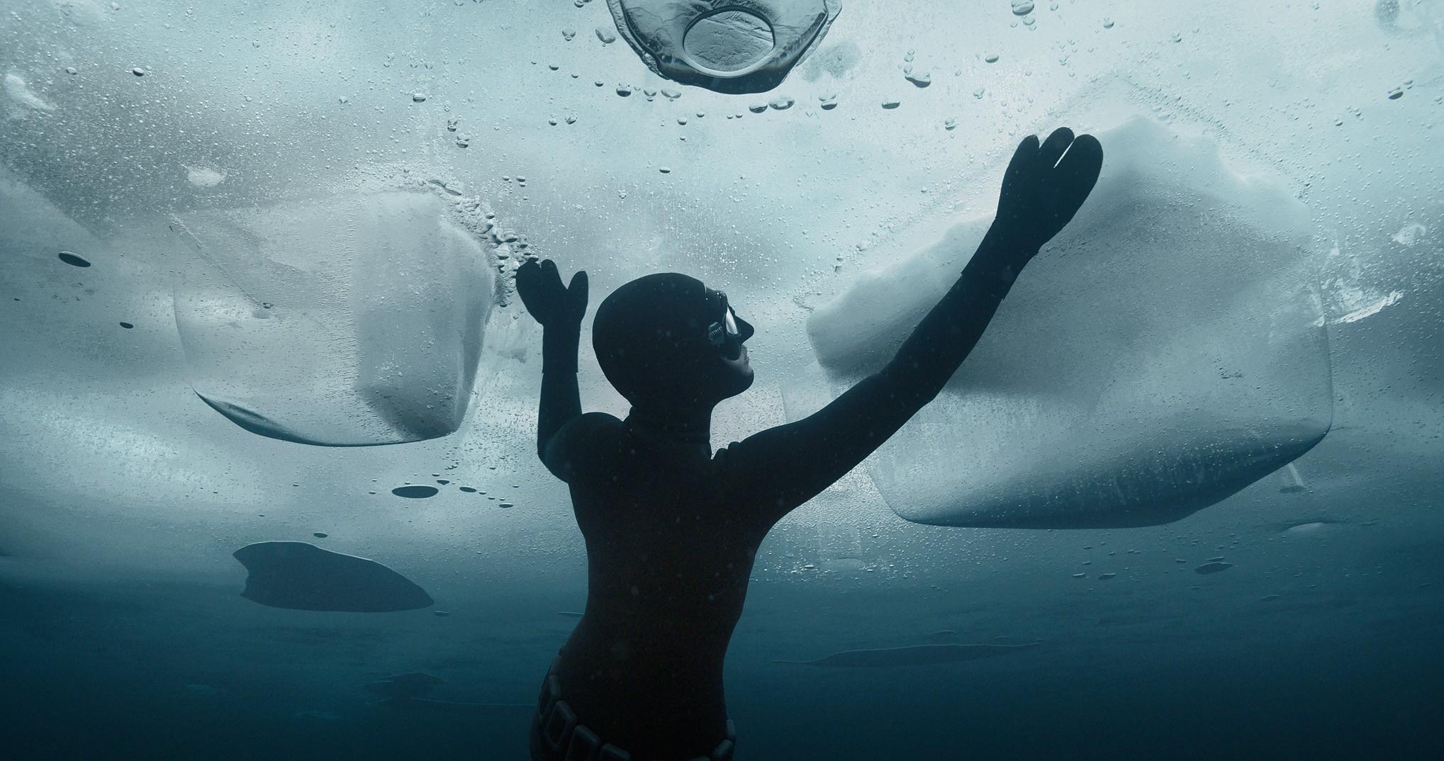 johanna-rolik-ob-ekstremalnom-zimnem-dajvinge-2