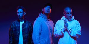 Bliss n Eso— Moments feat. Gavin James