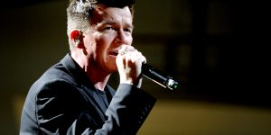 Foo Fighters & Rick Astley— Never Gonna Give You Up